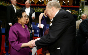 2015 Nobel laureates receive awards, pay rich tributes to early mentors