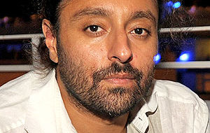 Indian American hotelier Vikram Chatwal accused of singeing two dogs
