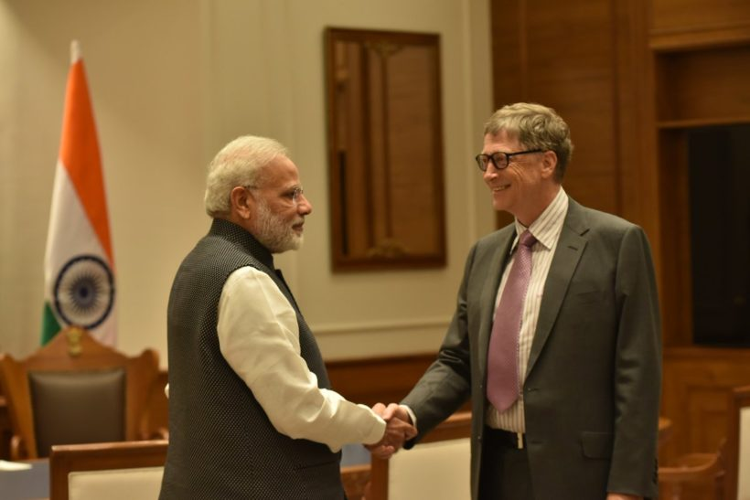 Prime Minister Modi with Bill Gates (Photo: Twitter)
