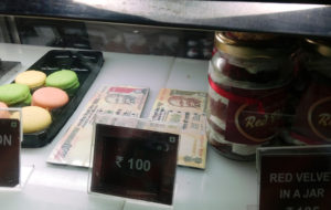 Kolkata bakery introduces scrapped 500, 1,000 notes for desserts